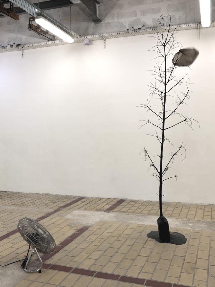Black Flag, 2011 contemporary art nice la station Kintera Kristof analysis results
