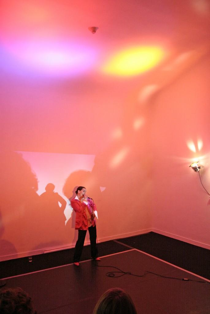 performance de Fabienne Audeoud art contemporain nice