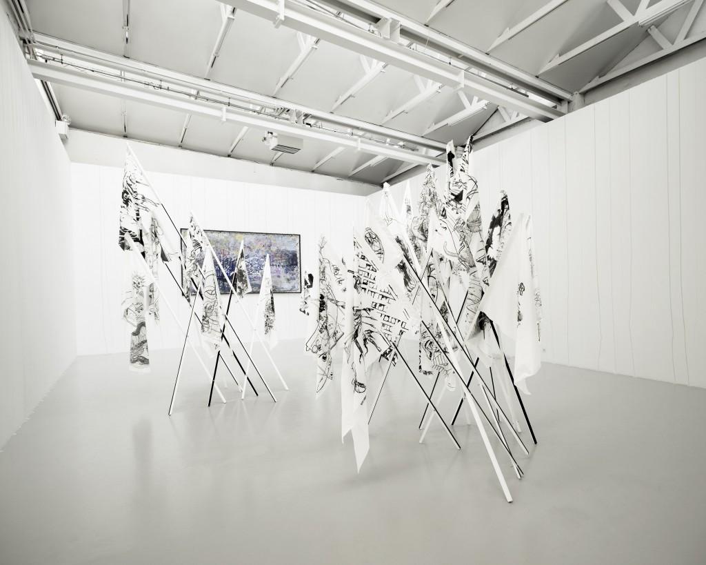Paul Chazal, Sans titre, 2011 (au 1er plan), Cédric Teisseire, Proposition pour le CAN, 2011 (peinture murale), David Raffini, Labotomie aux oeillets, 2011 (tableau)