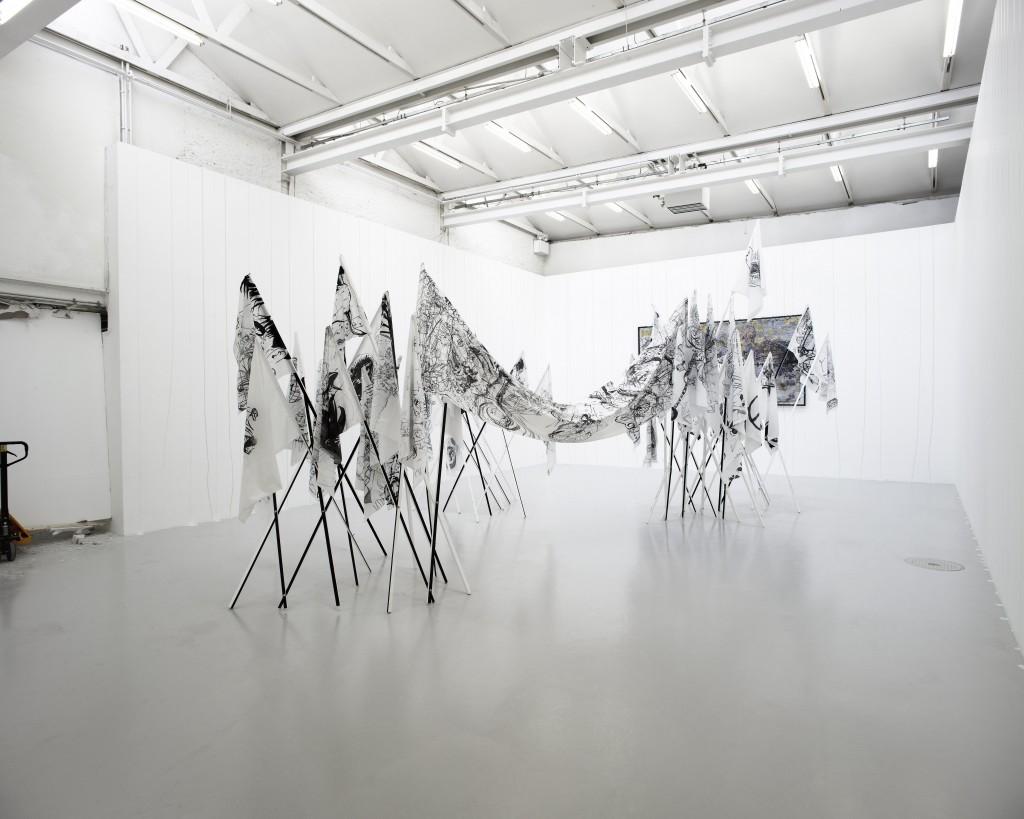 Paul Chazal, Sans titre, 2011 (au 1er plan), Cédric Teisseire, Proposition pour le CAN, 2011 (peinture murale), David Raffini, Labotomie aux oeillets, 2011 (peinture encadrée)