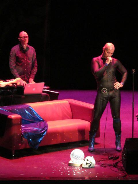 vernissage de Columna 01 / concert d'I Apologize art contemporain