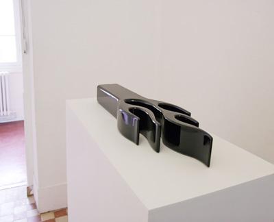 Edouard Ropars - THE BURNING HOUSE Maquette : Edouard Ropars – Peinture métallisée sur résine, 90 x 20 x 10 cm, 2006 - La Station -  Art Contemporain - Nice - Babylon Inside -- un projet dEdouard Ropars