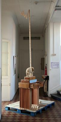 Émilie Perotto - Wood World, condensé de pratique — 2006 - La Station -  Art Contemporain - Nice - Certains travaux doivent être accomplis à la surface du sol...