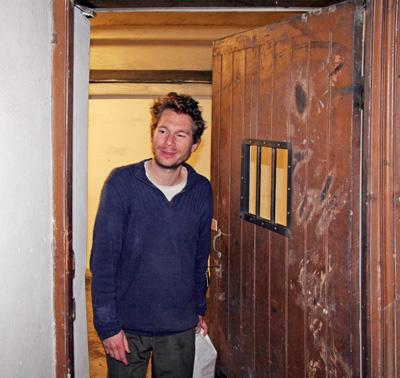 Abraham Poincheval - la sortie - La Station -  Art Contemporain - Nice - La Grande Symbiose II
